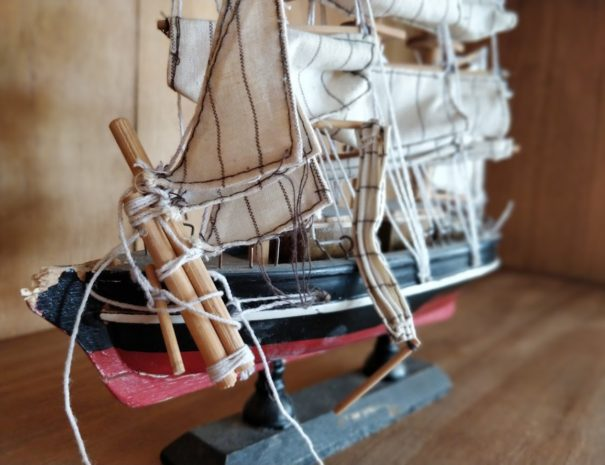 some of the trinkets and features laid about. this one shows a hand crafted little sailing boat
